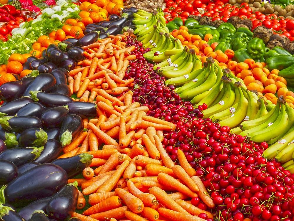 أهم العناصر الغذائية في الخضروات والفواكه