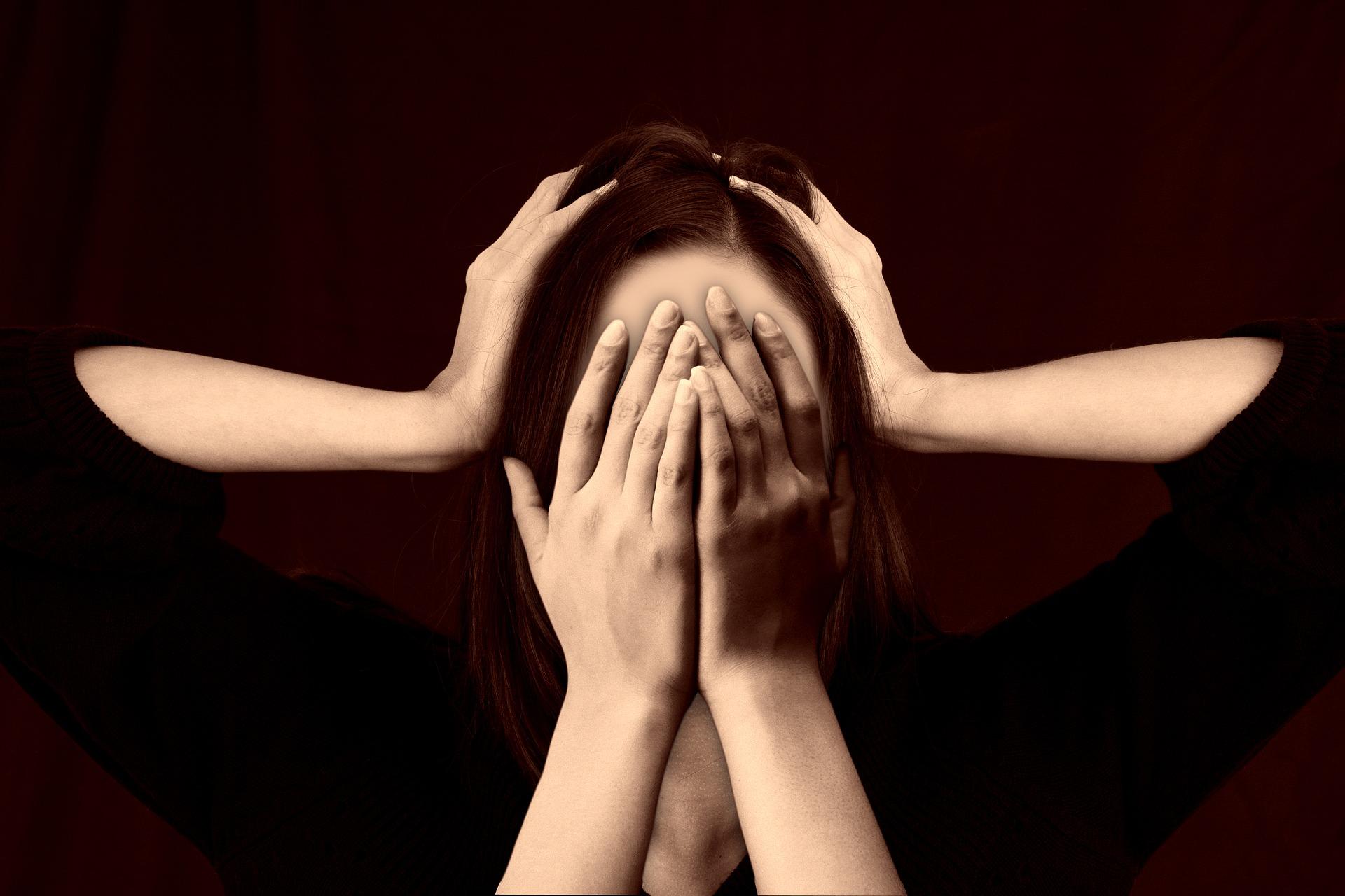 أهم أنواع الاضطرابات النفسية وأعراضها.