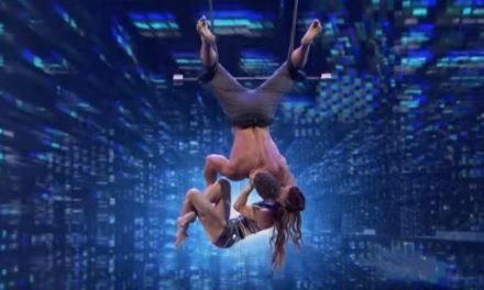 زوجان يدهشان العالم بحركات بهلوانية خطرة في America's Got Talent 2018