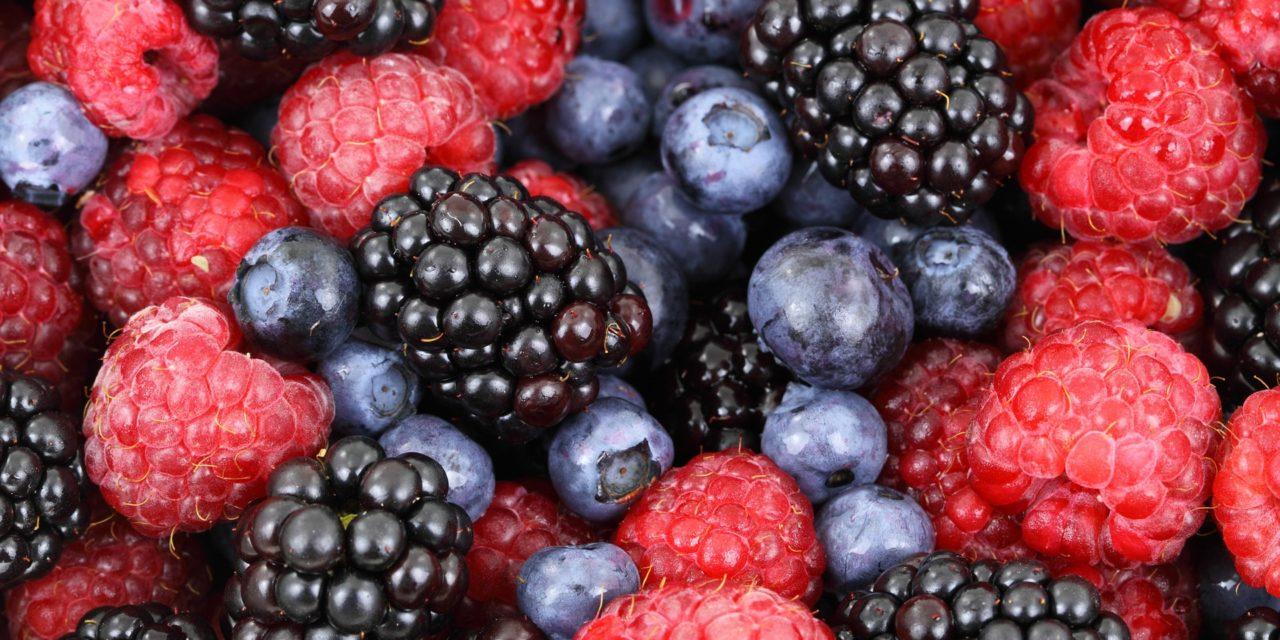 أفضل 12 أطعمة صحية غنية بمضادات الأكسدة