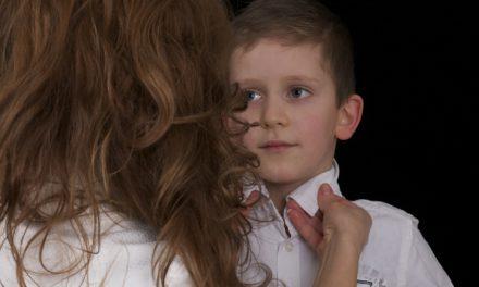 كيف أجعل طفلي يستجيب لي؟