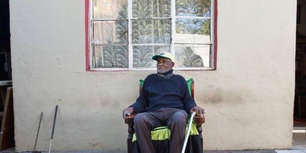 فريدي بلوم أكبر رجل في العالم